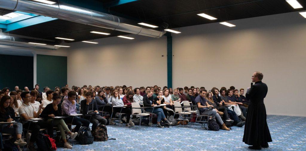 Salle de réunion de 300 places