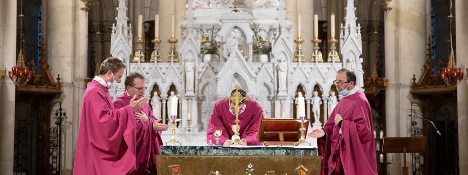 Messe à la basilique Notre-Dame de Montligeon
