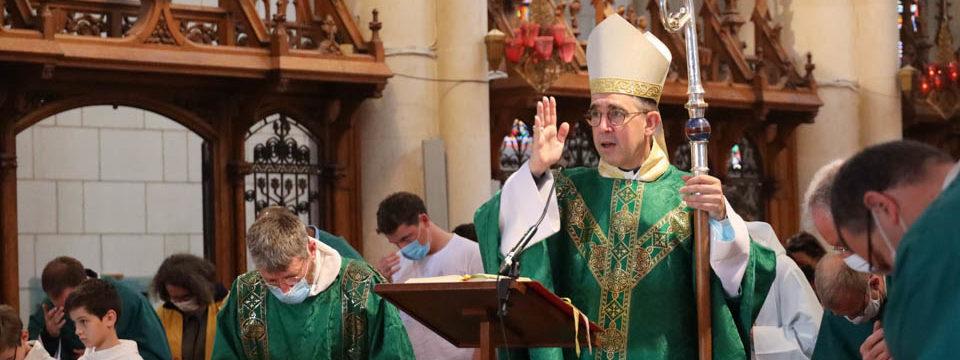 Messe 11 h présidée par Mgr Matthieu Rougé avec les pères de famille