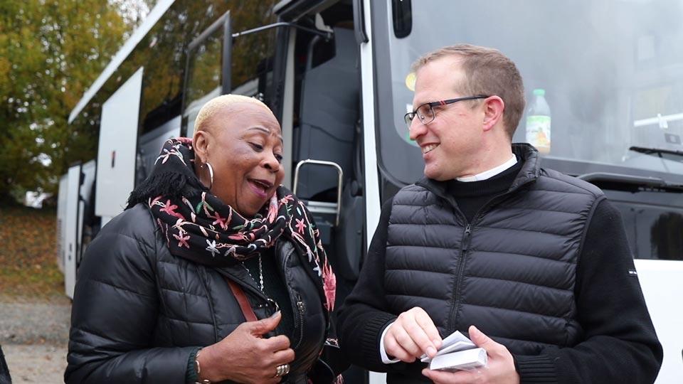 Venir en bus aux pèlerinages du ciel à Montligeon